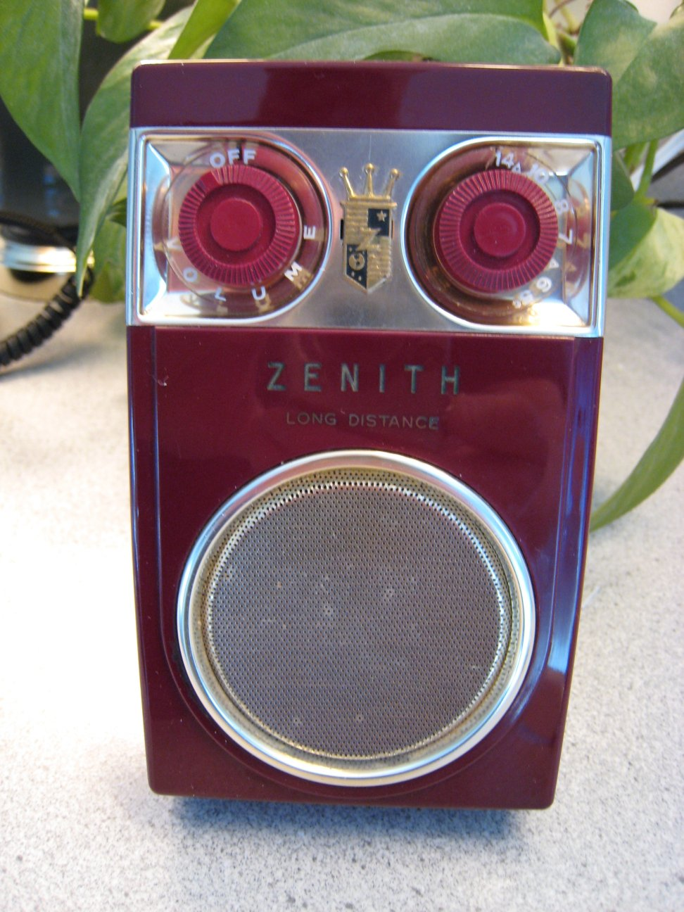 "Collector Cars For Sale >> Zenith Royal 500 Series Transistor Radios – The ""Owl Eye ..."