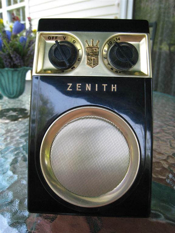 Zenith Royal 500 Series Transistor Radios The Owl Eye