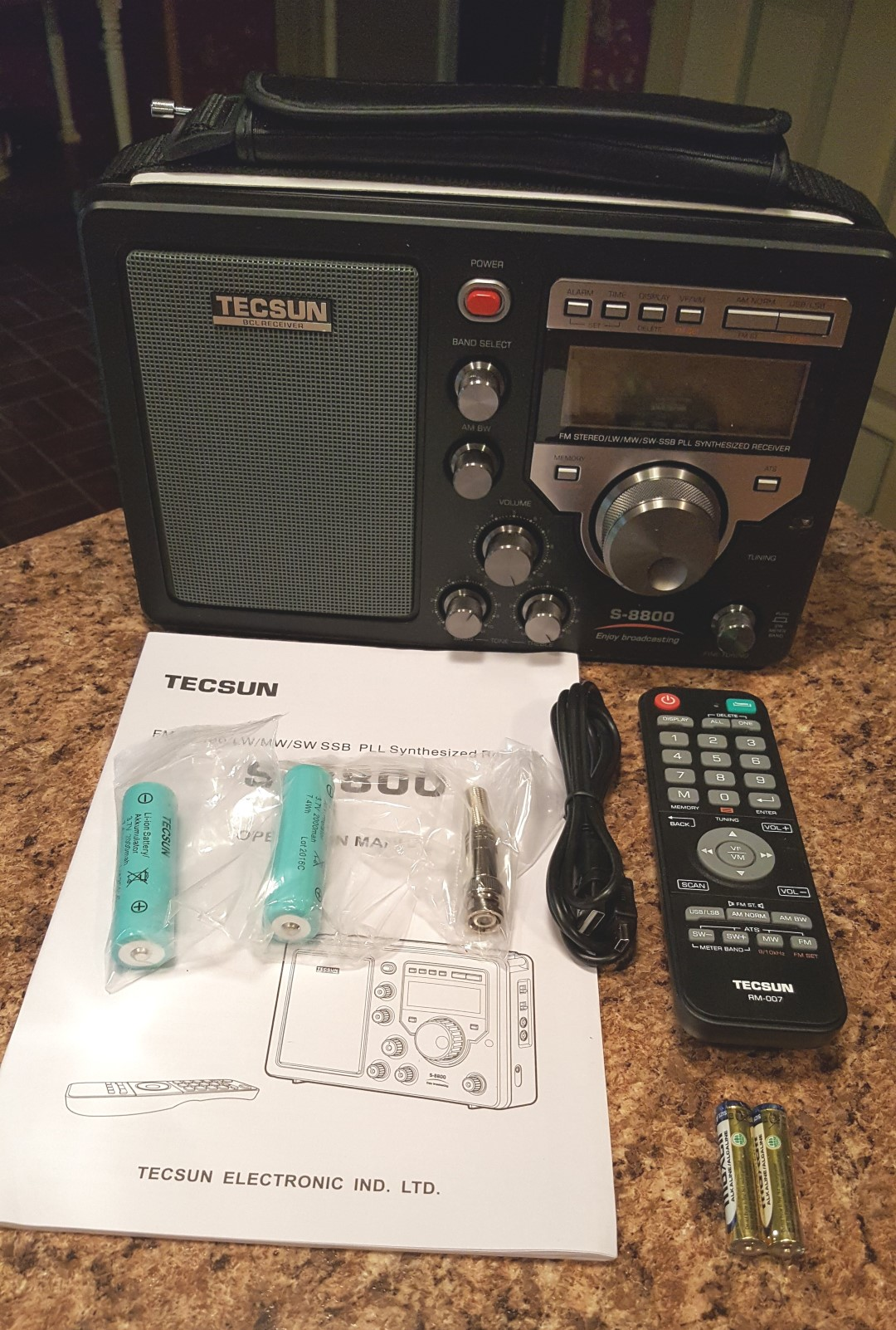 Tecsun S-8800 AM/LW/SW/FM Field Radio With Remote